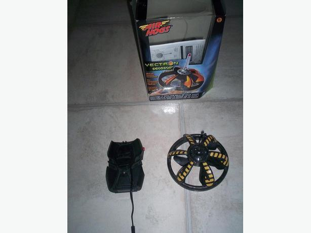 Air Hogs Vectron Wave and Car