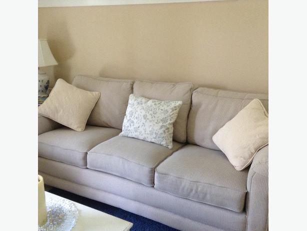 3 seat sofa kelowna kelowna for Sofa arm covers blue