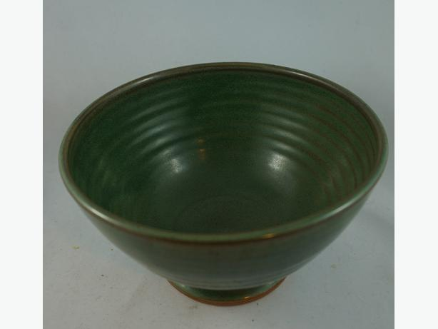 4U2C GREEN POTTERY BOWL