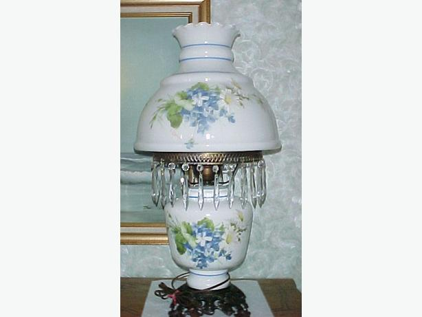 LARGE GWTW Hand Painted Parlour Lamp w/ Chimney~Prisms~Artist Signed