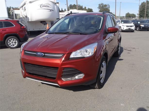 2015 ford escape se 4wd outside comox valley campbell river. Black Bedroom Furniture Sets. Home Design Ideas