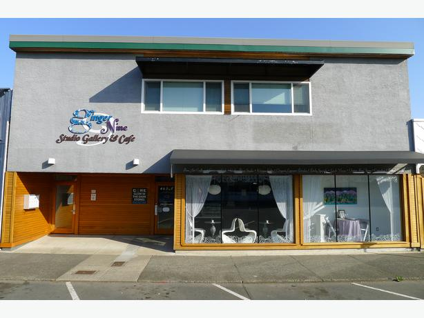 High Exposure Commercial Space in Downtown Courtenay!