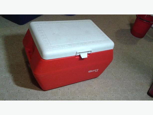 50 quart durable cooler