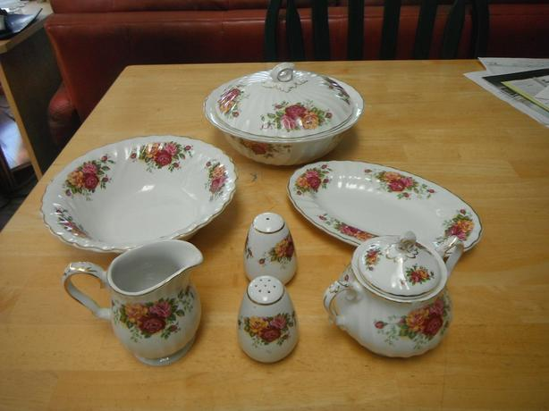 7 pce. MYOTT Rose Garden English Ironstone china- N. Duncan