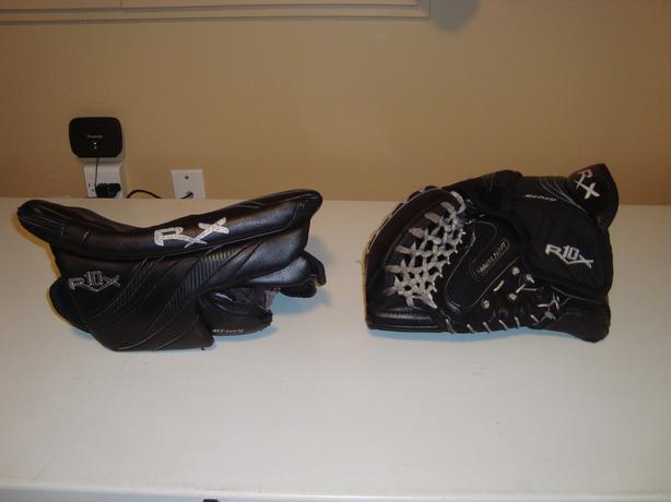 Bauer RX10 Glove & Blocker (Full Right for Left handed Goalies)