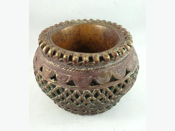 4U2C INTERESTING BRASS METAL INTRICATE DETAIL ITEM