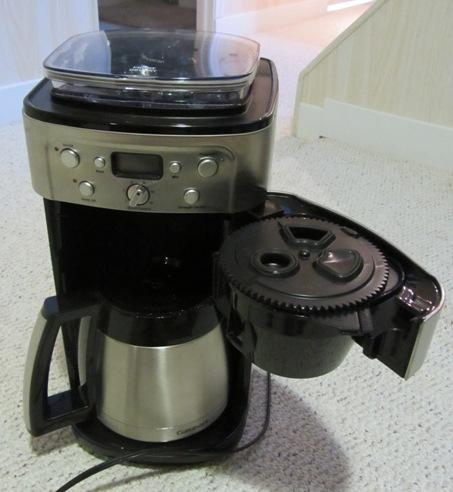 Cuisinart Coffee Maker Grinder Beeping : Cuisinart Automatic Burr Grind & Brew Thermal Coffee Maker North Regina, Regina