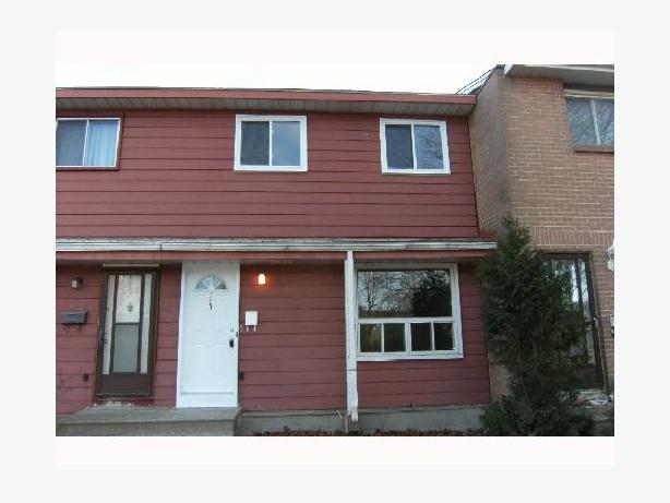 4 Bedroom Townhouse Close To Carleton U Central Ottawa Inside Greenbelt Ottawa