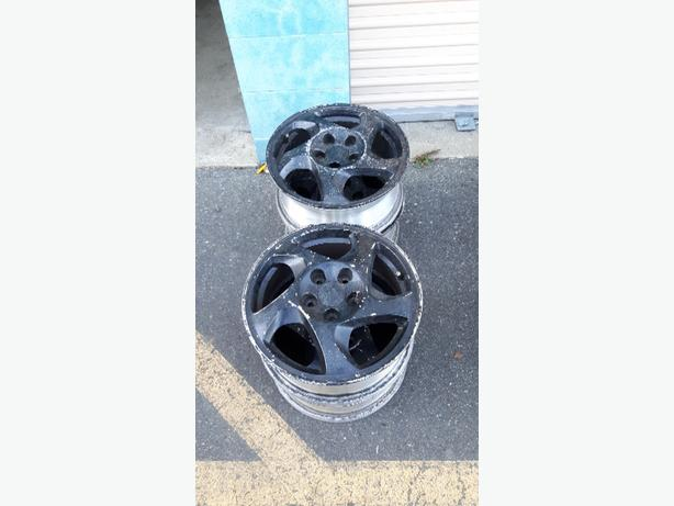 set of 4 aluminum 16 inch rims