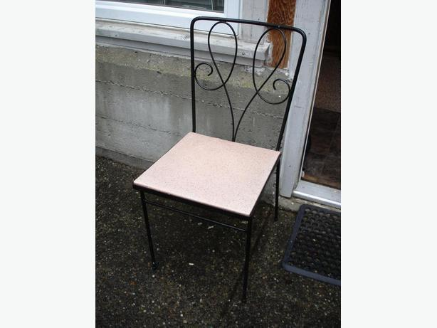 NIce Genuine Vintage Wroght Iron Indoor / Outdoor Chair