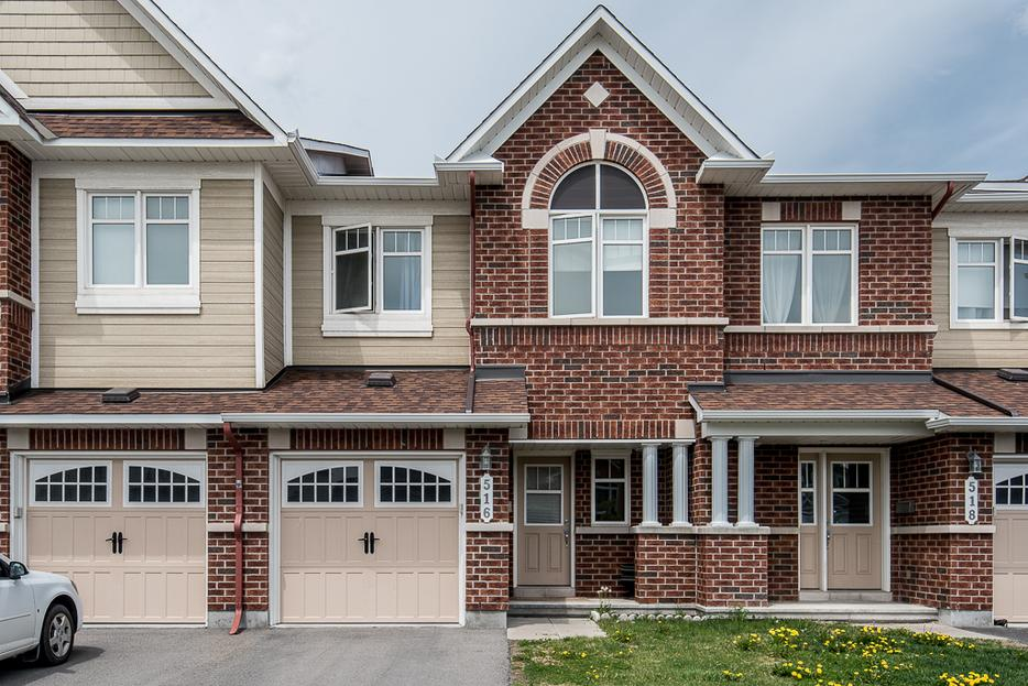 stunning 3 bedroom townhome for rent in orleans orleans