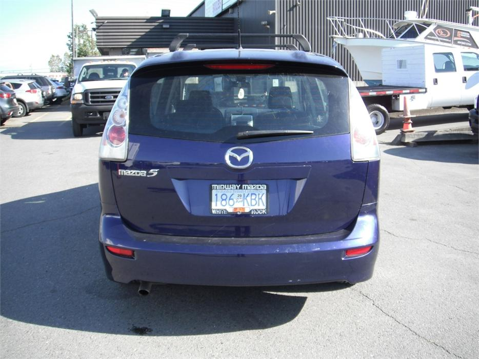 2006 mazda mazda5 sport with 3rd row seating outside comox valley comox valley mobile. Black Bedroom Furniture Sets. Home Design Ideas