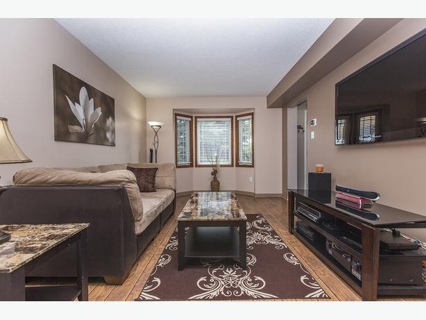 Beautiful single family home inside and out central for Pretty houses inside and out