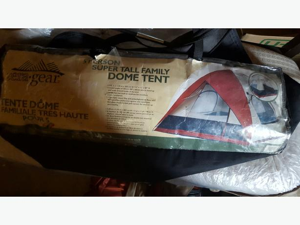 Tera Gear 5 Man Super Tall Dome Tent with Rain Fly & Tera Gear 5 Man Super Tall Dome Tent with Rain Fly North Regina ...
