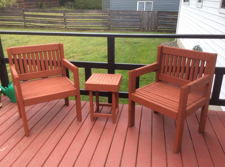 Super solid wooden patio chairs with side table central for Outdoor furniture kelowna