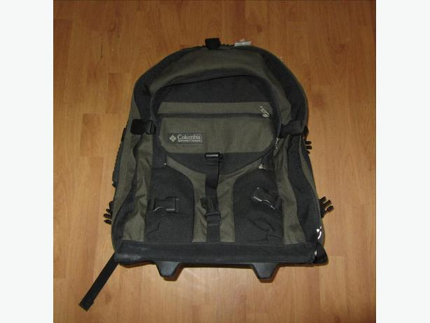 COLUMBIA TRAVEL BACKPACK BACK PACK WHEELIE BAG