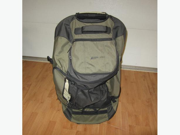 LARGE MOUNTAIN EQUIPMENT CO-OP MEC WHEELIE/BACKPACK SUIT CASE