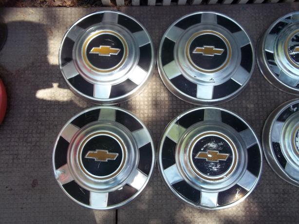Chev Hubcaps