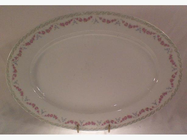 Graflich Thunsche porcelain platter
