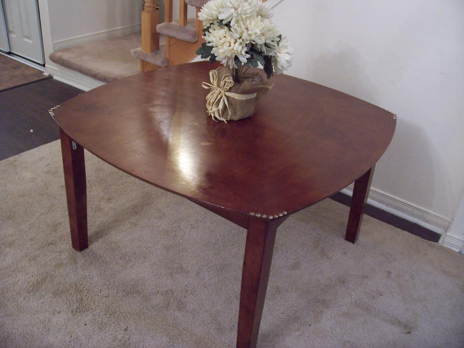 Elegant large solid wood coffee table for sale gloucester for Coffee tables ottawa