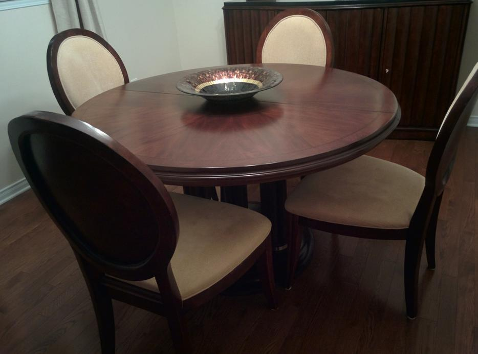 Dining room table and 6 chairs nepean ottawa for Dining room tables kelowna