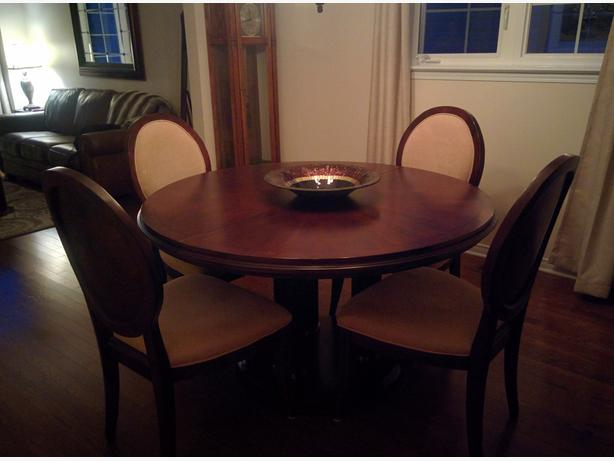 dining room table and 6 chairs nepean ottawa mobile