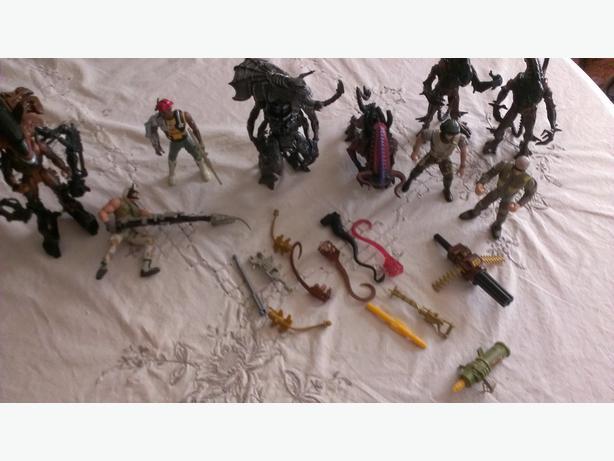 9 Kenner Aliens Action Figures