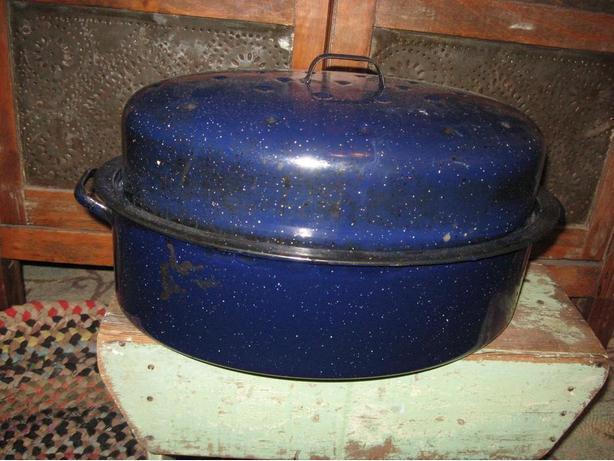 Large enamel roaster