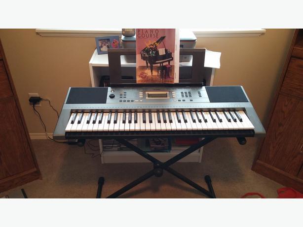 Yamaha psr e353 61 key touch sensitive keyboard north for Yamaha piano keyboard 61 key psr 180