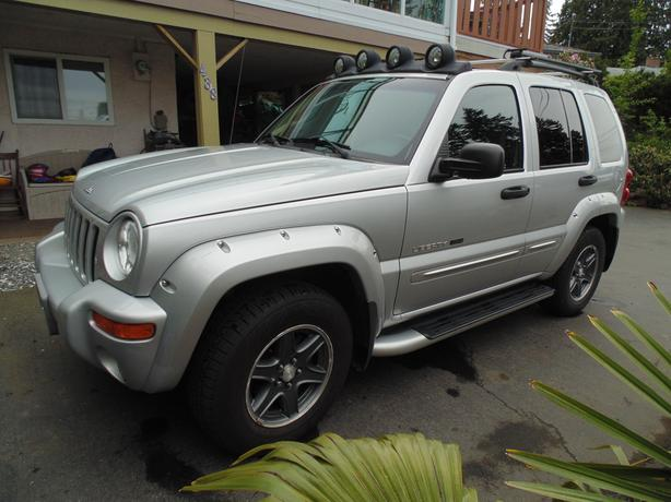 super price 2002 jeep liberty renegade outside nanaimo. Black Bedroom Furniture Sets. Home Design Ideas