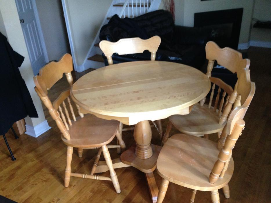 Dining Room Table And Chairs Nepean Ottawa