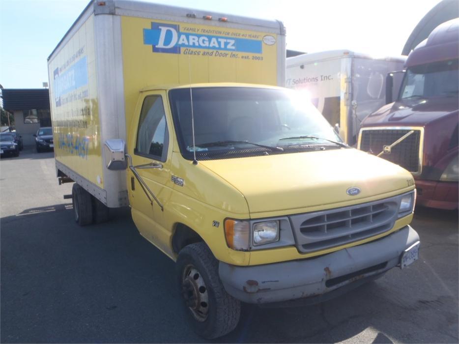 2000 ford econoline e 350 super duty 14 foot cube van. Black Bedroom Furniture Sets. Home Design Ideas