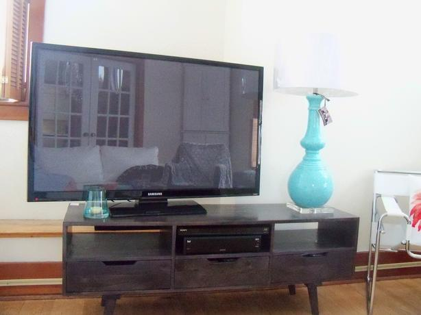 NEW HOMESENSE BARNBOARD TV ENTERTAINMENT STAND *** CAN DELIVER