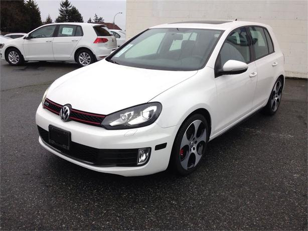 2011 Volkswagen Golf GTI 5DR w/ Lux Leather Pkg, Technology Pkg, 18 Alloys