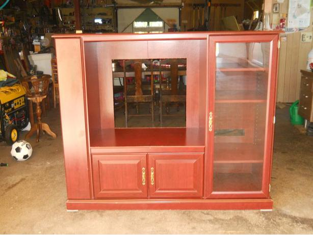 Cherry Wood Entertainment Unit