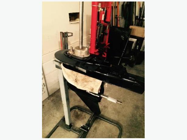2 Mercury/Mariner outboard gearcases - $700 (Cobble Hill)
