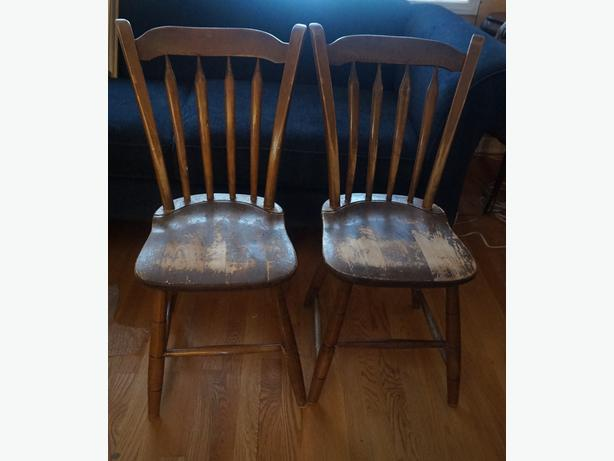 4U2C PAIR ANTIQUE MATCHING CHAIRS