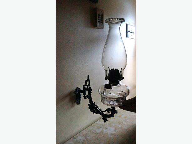 4U2C ANTIQUE WALL SCONCE WITH CUSTOM BLOWN GLASS OIL LAMP