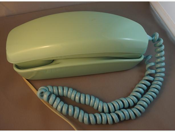 4U2C VINTAGE TURQUOISE ROTARY PHONE