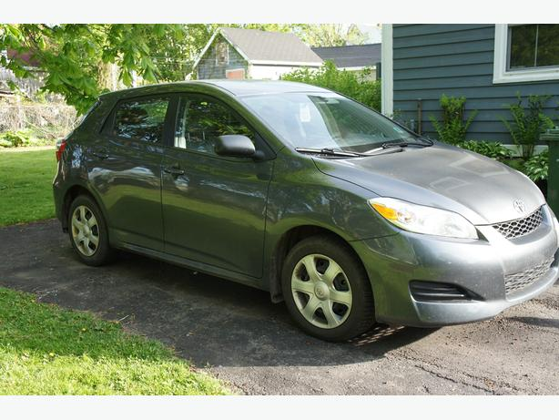 reduced 2010 toyota matrix excellent shape charlottetown. Black Bedroom Furniture Sets. Home Design Ideas