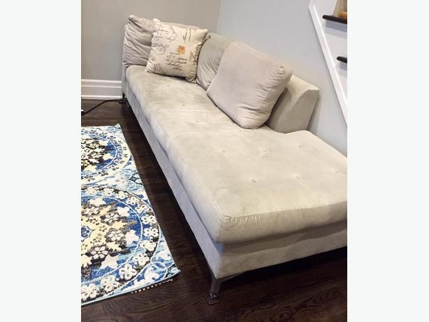 GLUCKSTEINHOME Modern Sofa Sectional