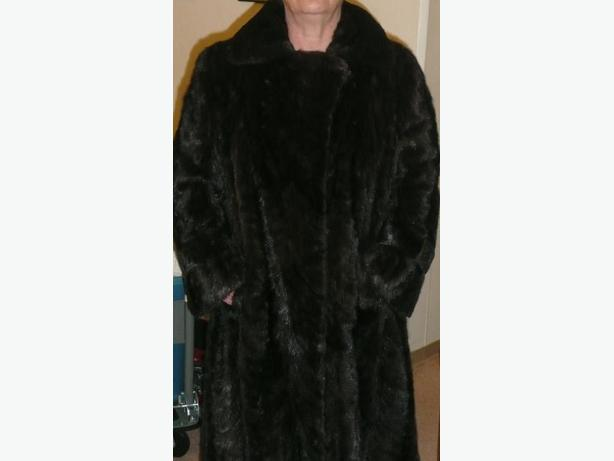 LADIES FULL LENGTH DARK BROWN SABLE MINK COAT