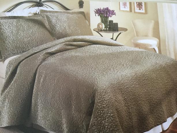 Arlington Comforter Set