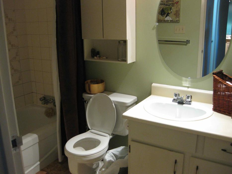 beautiful two bedroom apartment for rent in downtown