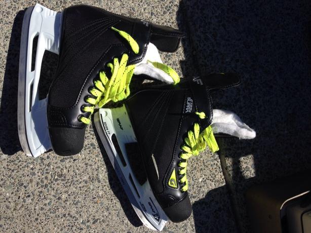 brand new size 5.5 graf skates