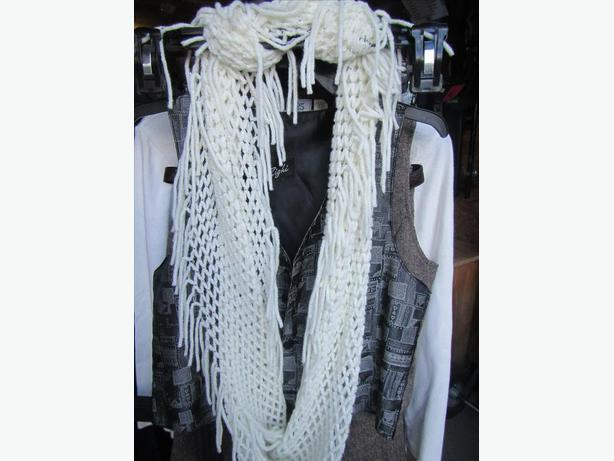 Off-White Knit Infiniti Scarf with fringe