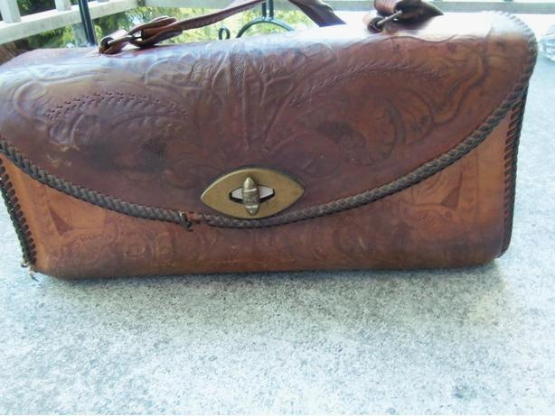 ANTIQUE LEATHER TOOLED HAND BAG