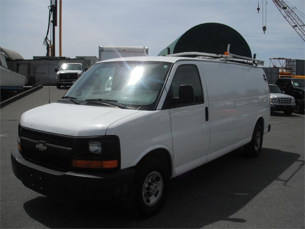 2007 Chevrolet Express G3500 Extended Cargo Van w/ Roofrack and Generator