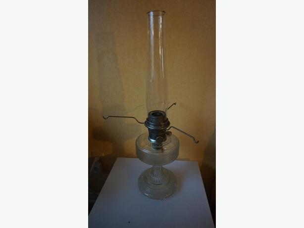 4u2c LARGE ANTIQUE ALADDIN OIL LAMP