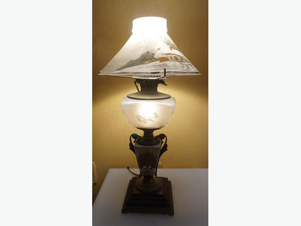 4u2c RARE OIL ELECTRIFIED LAMP HAND PAINT SHADE & PORCELAIN BASE